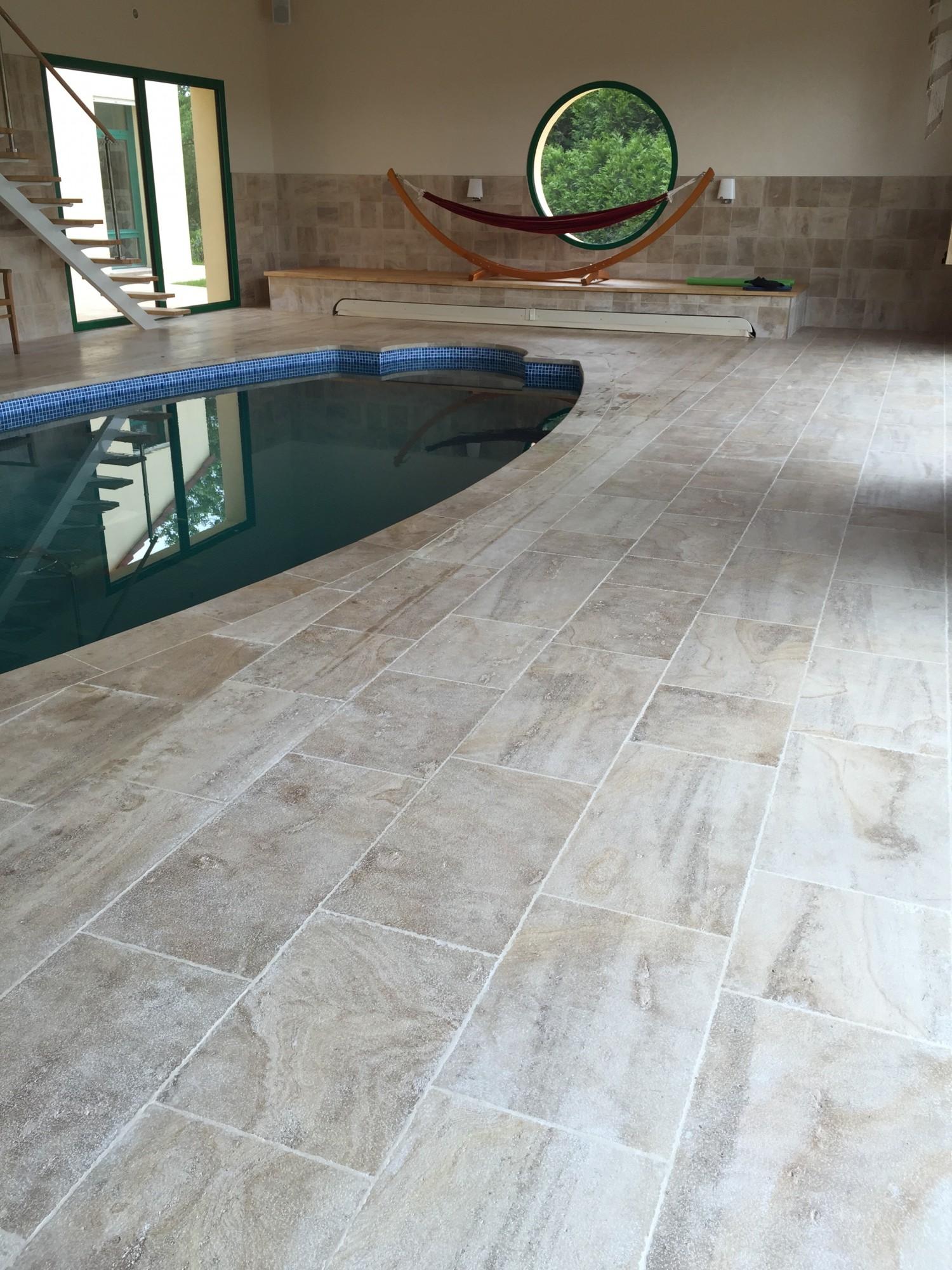Pierre pour terrasse ext rieure plage de piscine carrelage et margelle de piscine - Dalle d emmarchement ...
